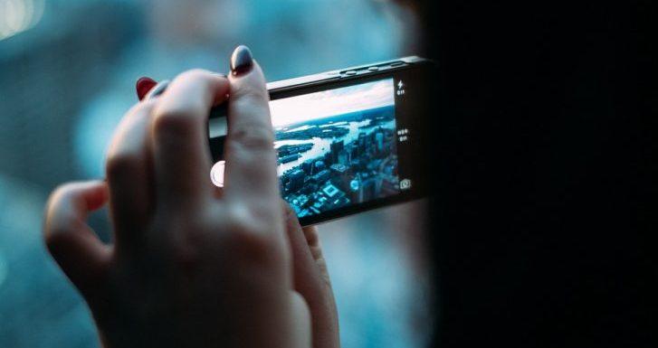 Milyen külső és belső tulajdonságokkal rendelkezik a Vodafone Smart n8?
